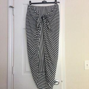 Worn once - Splendid wrap skirt